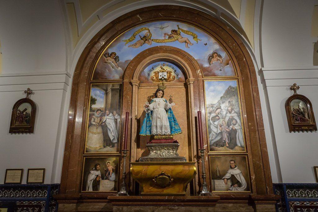 Altar del Milagroso Niño Jesús de Praga